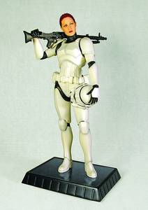 SW FEMALE STORMTROOPER STATUE