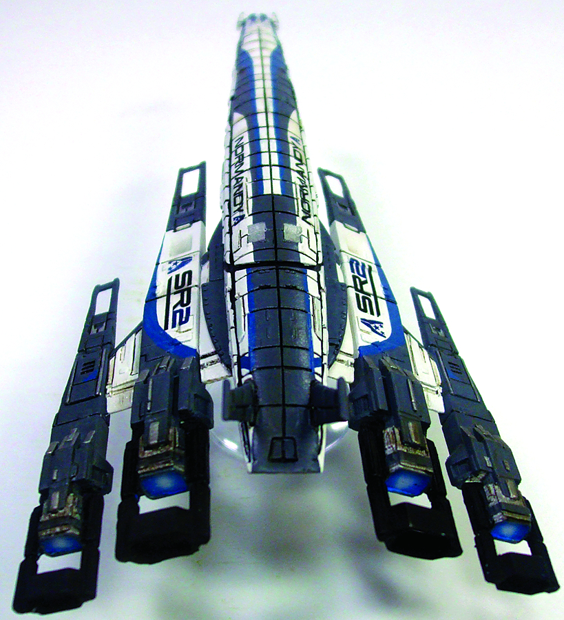 MASS EFFECT SR2 NORMANDY SHIP REPLICA