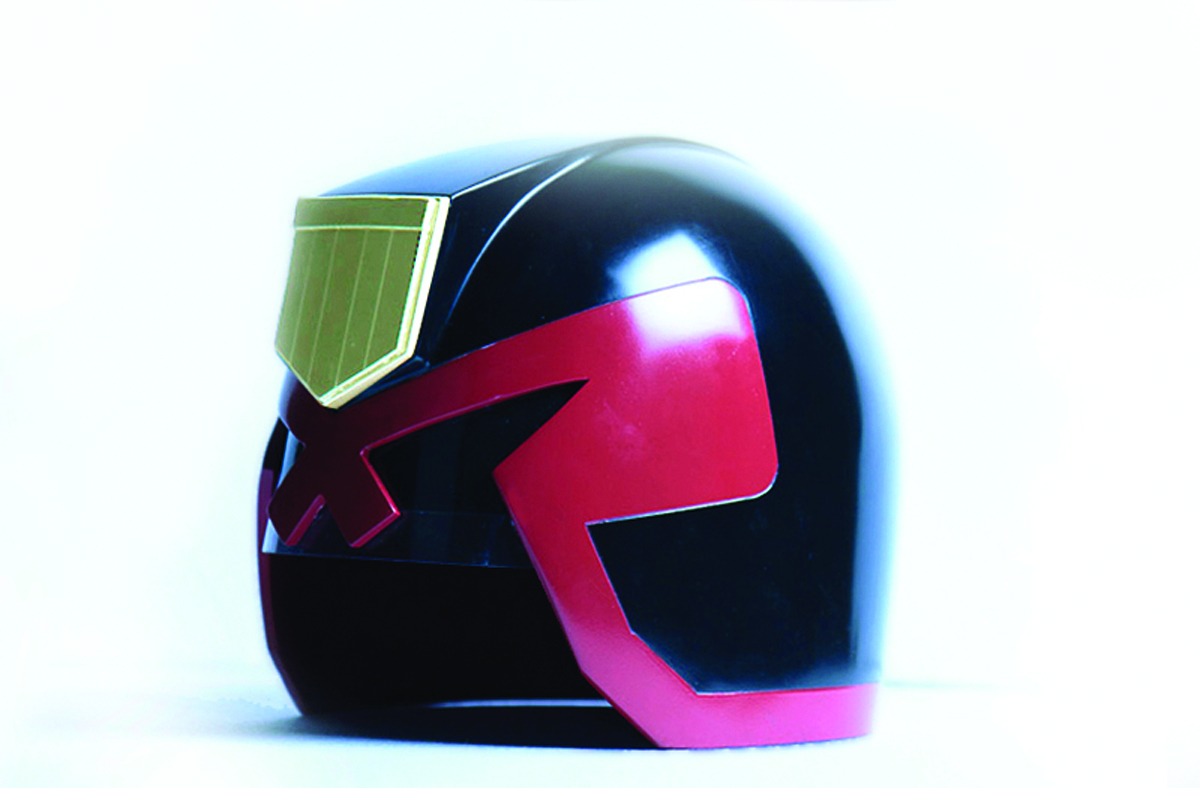 JUDGE DREDD HELMET 1:1 SCALE REPLICA