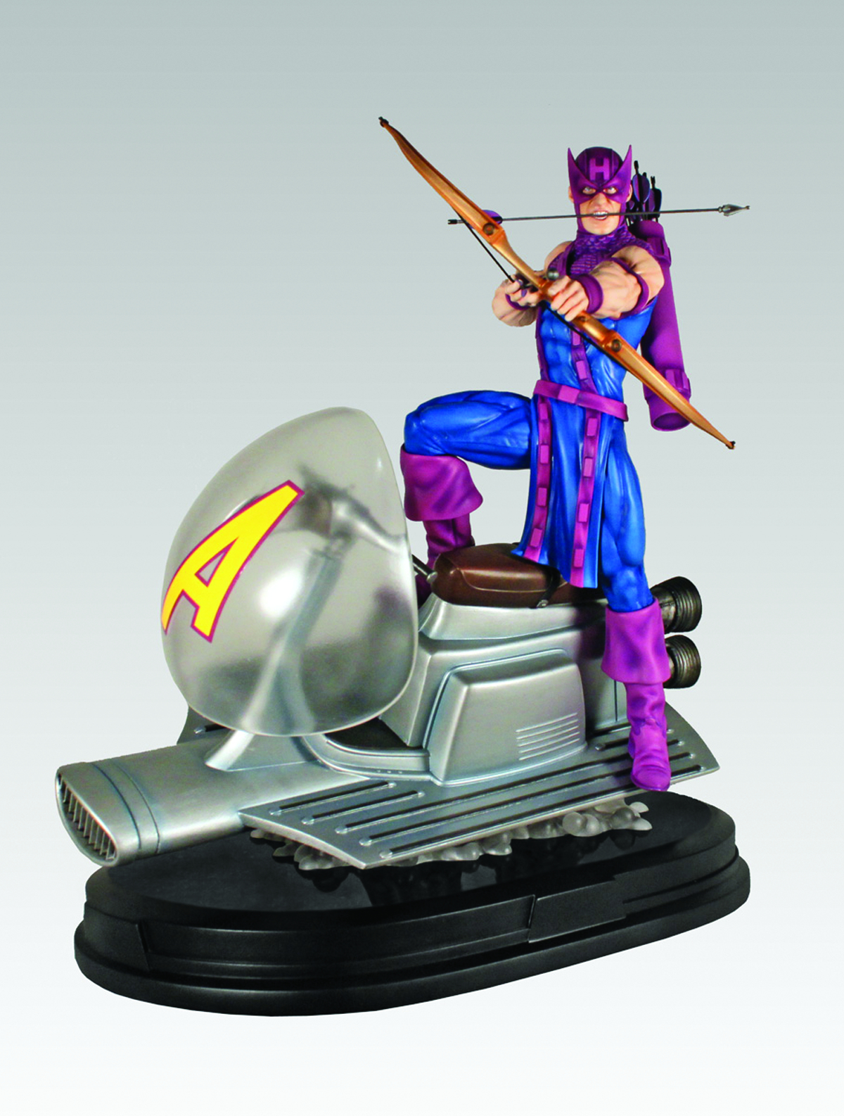 GENTLE GIANT HAWKEYE ON SKY-CYCLE STATUE