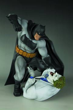 DARK KNIGHT RETURNS BATMAN VS JOKER ARTFX STATUE