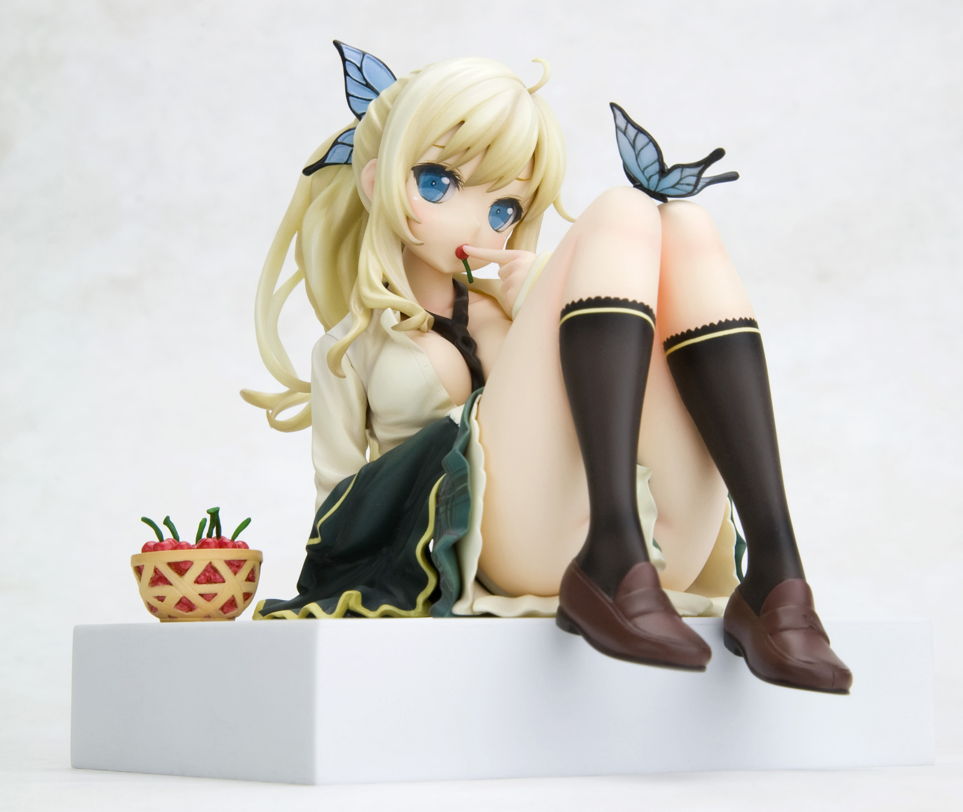 HAGANAI I HAVE NO FRIENDS SENA ANI-STATUE