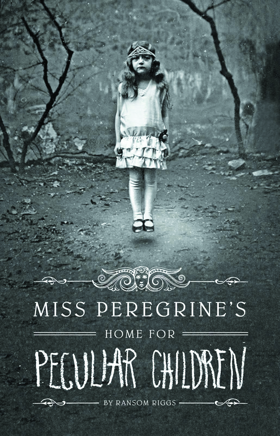 MISS PEREGRINES HOME FOR PECULIAR CHILDREN HC BOOK 1