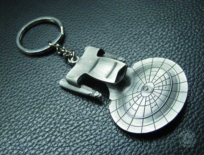 STAR TREK TNG USS ENTERPRISE 1701-D KEYCHAIN