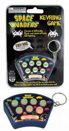 SPACE INVADERS KEYCHAIN GAME