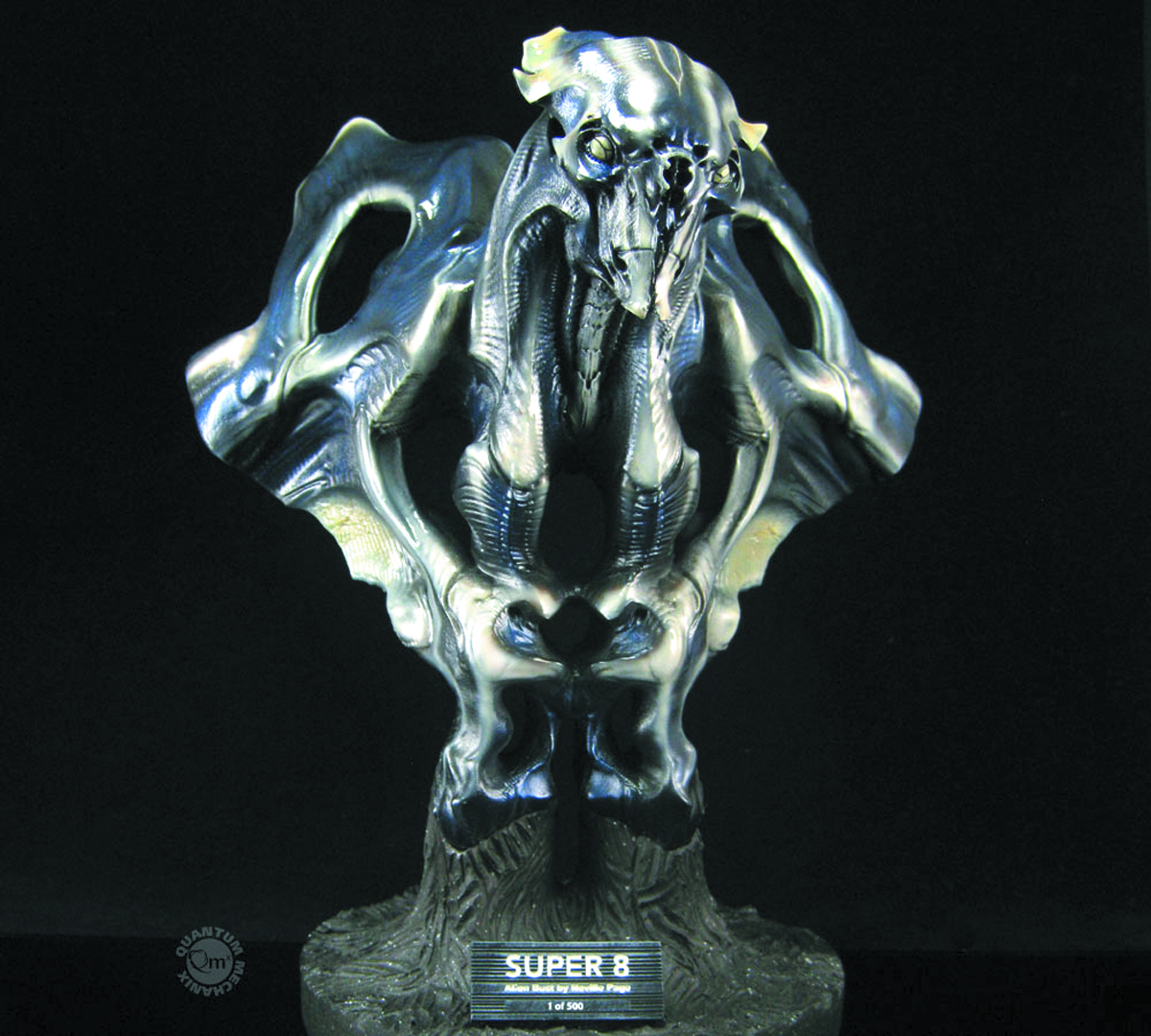 SUPER 8 ALIEN LE BUST