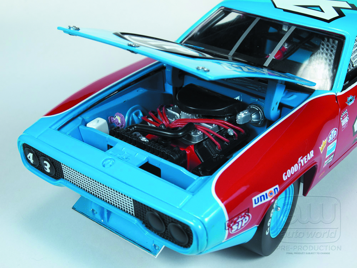 AW RICHARD PETTY 1972 ROAD RUNNER 1/18 DIE-CAST