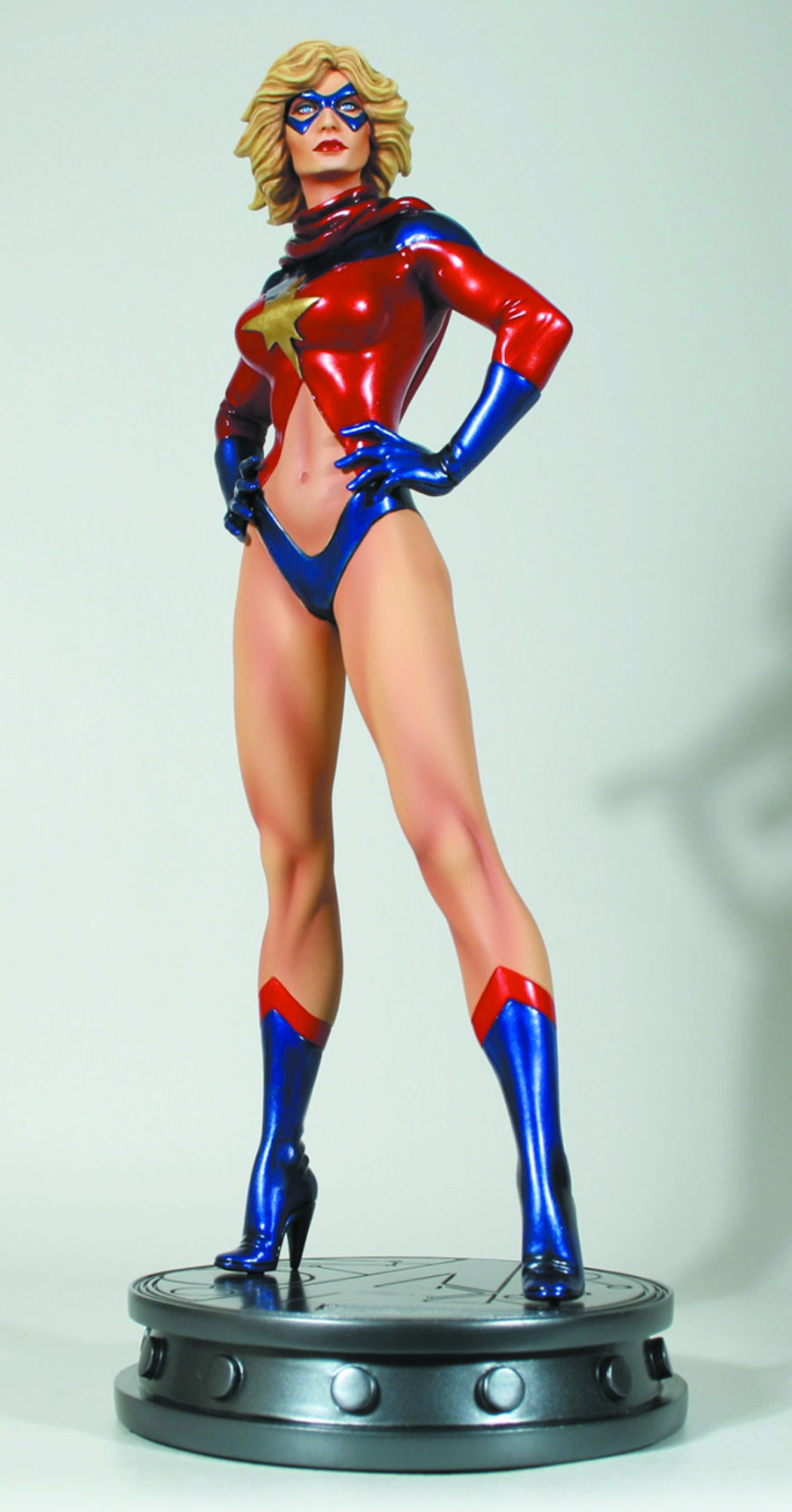 MS MARVEL 70S VERSION STATUE