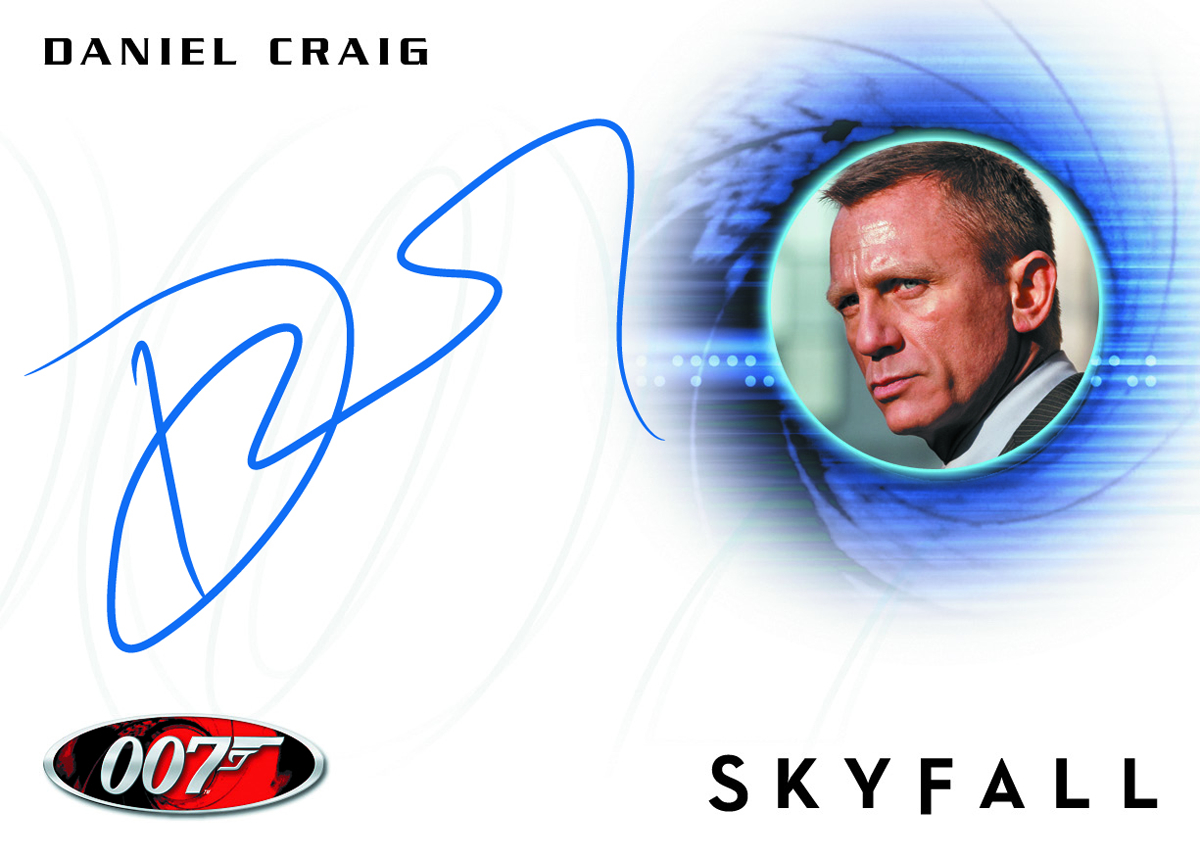 JAMES BOND 2013 AUTOGRAPHS & RELICS T/C BOX