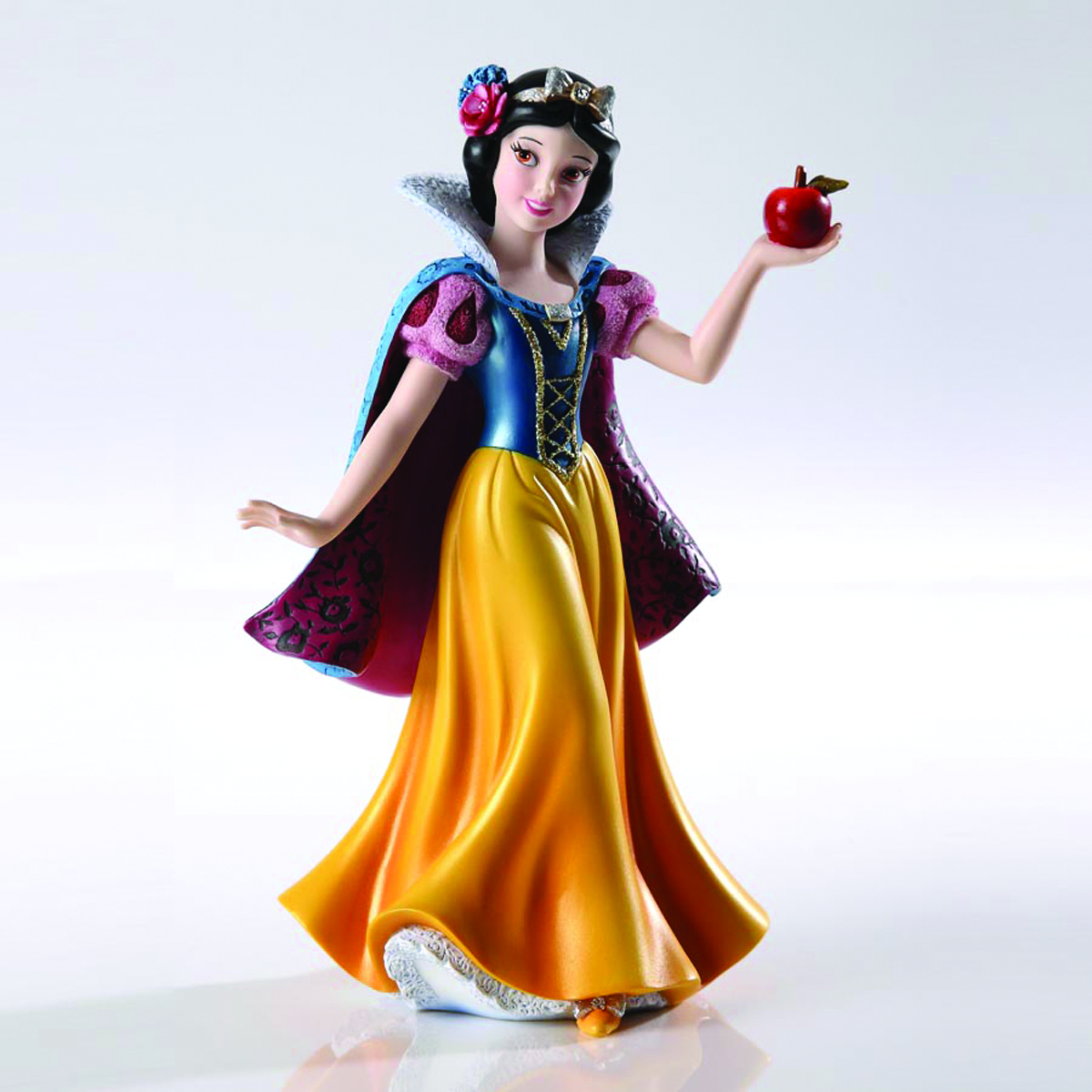 DISNEY SHOWCASE SNOW WHITE COUTURE DE FORCE FIG