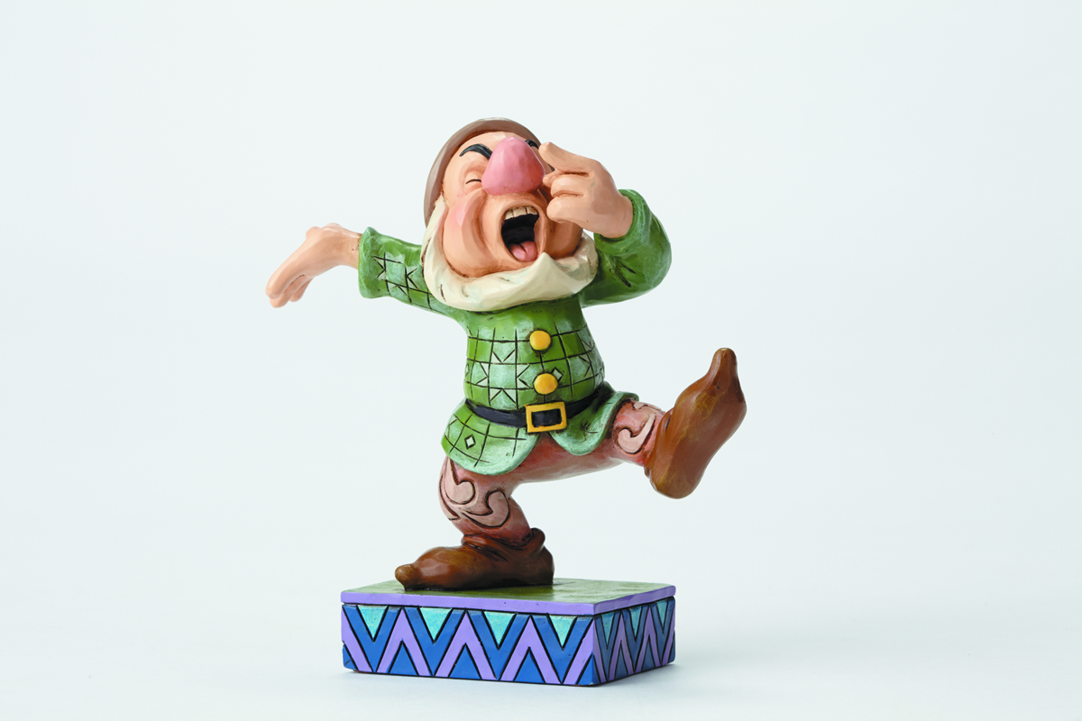 DISNEY TRADITIONS SNOW WHITE SNEEZY FIG