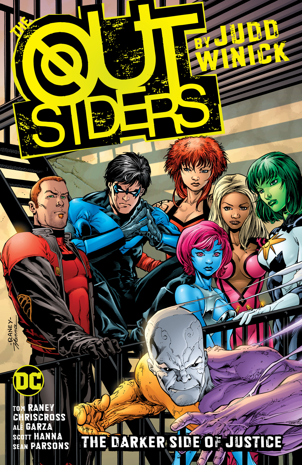 OUTSIDERS BY JUDD WINICK TP BOOK 01