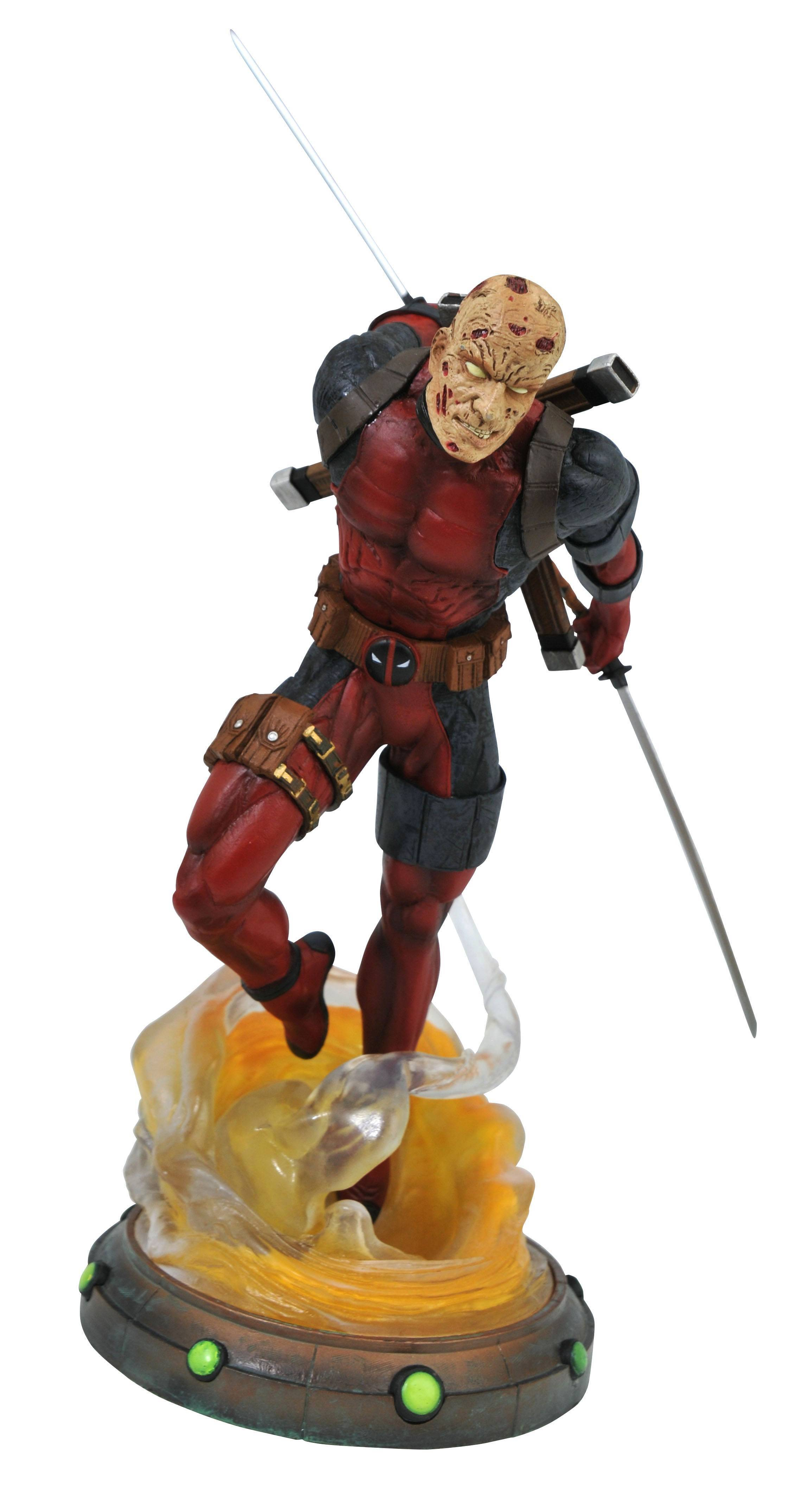 MARVEL GALLERY UNMASKED DEADPOOL PVC FIG