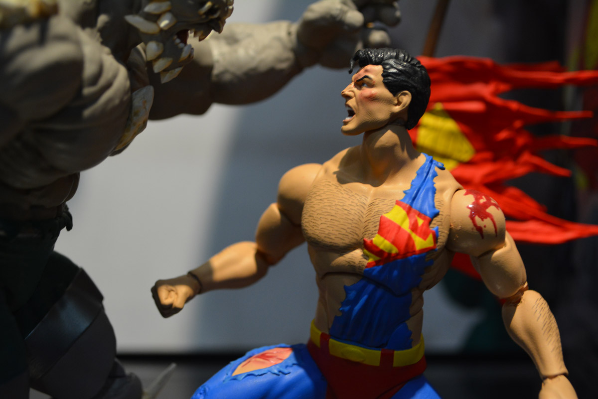 Diamond Comics MAY170374 DC Collectibles The Death of Superman Doomsday /& Superman Deluxe Action Figure Pack of 2
