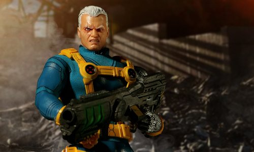Mezco -- One;12 Collective: Marvel: Cable (X-Men Edition) Figure